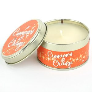 Cinnamon and Orange Scents of Christmas Candle